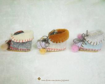 jiajiadoll- Handmade- Hand Knited 3 pairs of wool fabric boots shoes fits momoko- blythe -Misaki- Unoa light- Lati yellow