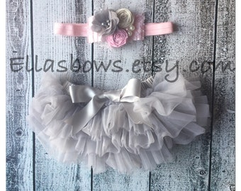 Vintage style Baby headband and Full Ruffle Bloomer Set..Full chiffon Bloomers.Hair bow and Diaper Cover...