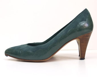 vintage green suede Chandlers 6.5 or 7 // tonal leather scallops - Made in Spain - handmade // stacked wood heels 6 1/2 pumps // shoes