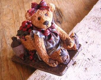 Vintage Boyds Apple Bear Lifes' Harvest Figurine