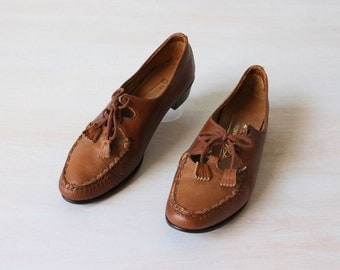 Oxford Shoes / Lace Up Shoes / Cut Out Shoes / Leather / Size 6.5 Euro 37-38  UK 4.5-5