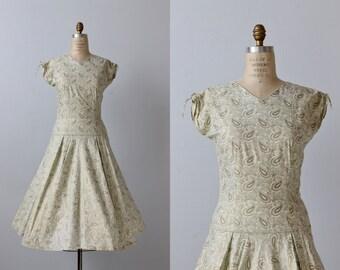 1950s Vintage Dresses / 50s Dress / Full Skirt / Metallic Shimmer
