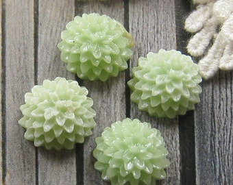 15mm - Light Green mum flower cabochon - 6 pcs (CA824-C2)