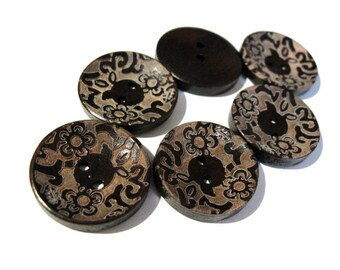 6 dark brown wooden button with floral pattern 23mm  (BB120G)