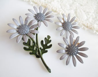 Beautiful Vintage Gray Enamel Flower Power Pin  Brooch and Earrings Set New Old Stock NOS
