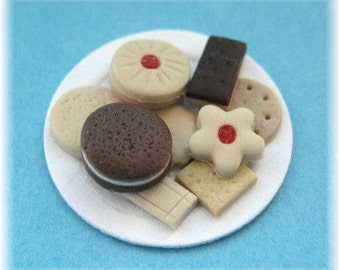 1.12th Scale Dolls House Miniature Food item, Plate of 9 Assorted Biscuits