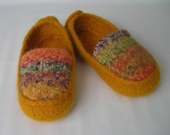 Knitting Pattern Downloadable PDF - Women's Felted Slipper Pattern - College Student - DIY gift - permission to resell - BULKY weight yarn