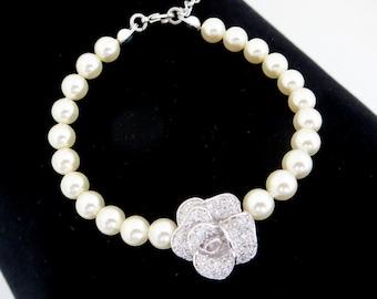 Pearl wedding bracelet, Crystal Bridal bracelet, Wedding jewelry, Crystal Rose bracelet, Simple bracelet, Bridesmaid bracelet, Vintage style