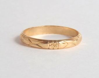 Vintage Wedding Ring. 1940s Floral Eternity Band. Large. 9.5