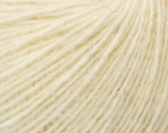 Cream - Peruvian Alpaca/Merino Sock Knitting Yarn, 50 grams
