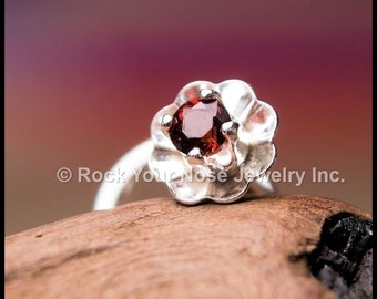 Fleur in Mini - Sterling and Garnet Nose Stud - CUSTOMIZE