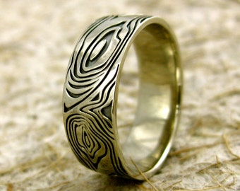 Wood Grain or Tree Bark Wedding Band in 14K White Gold with Black Rhodium Finish Size 10
