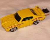 8GB Flash Drive 1970 GTO Judge, Pearl Yellow