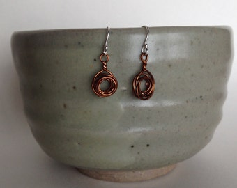 Round and round copper earring