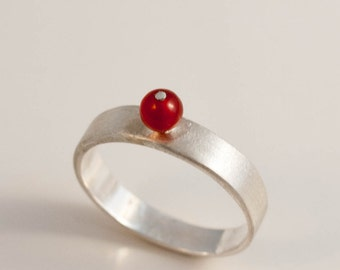 Agate red ball sterling silver band ring