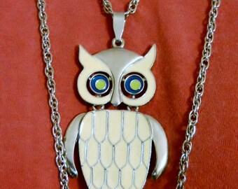 Vintage Pendant Necklace 70s Enamel Owl