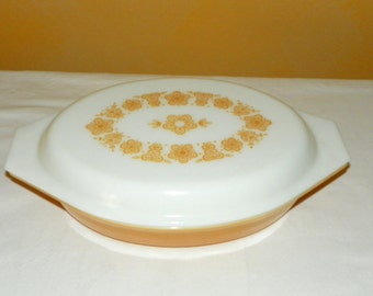 Vintage Pyrex Gold Butterfly 1 Qt. Divided Baking and Serving Dish, Beautiful Condition