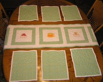 Quilted table runner and 6 matching placemats