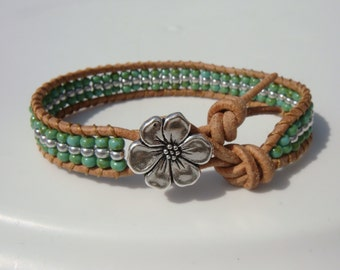 Green Turquoise Seed Beaded Leather Bracelet with Flower Button