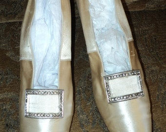 Antique Early Edwardian Cream Silk Wedding Shoes Rhinestone Buckles Louis Heel Great Condition Bridal Collectible Display