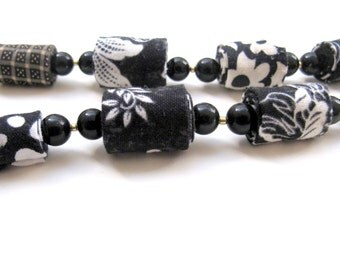 Fiber necklace in black and white, black and white fabric jewelry, lady in black