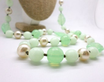 SALE  Vintage Miriam Haskell Designer Signed Art Glass Mint Green Faux Pearl Beaded Necklace Fresh