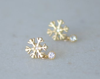 Snowflake earrings, gold stud earrings, winter wedding, bridesmaids gift, winter wonderland wedding jewelry, Tiny snowflake stud