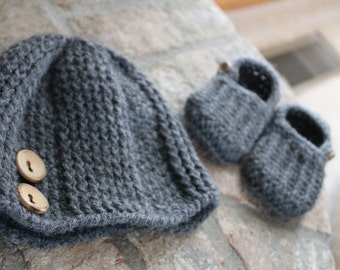 The Isolynn Hat and Slipper Set for Baby