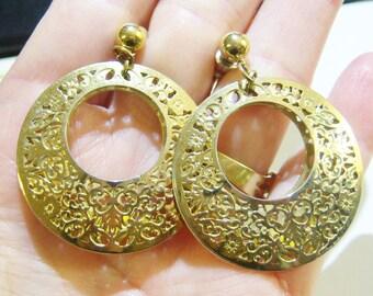 vintage gold tone filigree hoop loop dangle pierced earrings 14IN