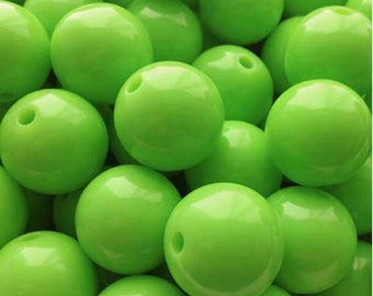 "14mm (9/16"") Round Kelly Lime Acrylic / Plastic Opaque Beads (15 pcs). 2.59mm hole.  030704"