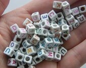 100 Acrylic square letter beads AB4