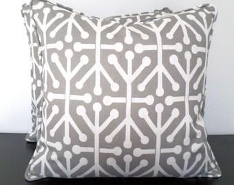 Gray outdoor pillow case 18x18, geometric cushion , modern outdoor pillow for garden bench, gray and white chair cushion cover, gray pillow