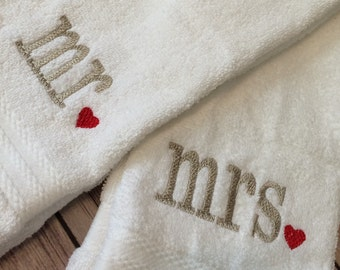 Mr. and Mrs., hand towels, embroidered towels, personalized towels, wedding gift, anniversary gift, bath towels, housewarming gift