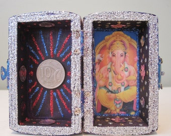 Ganesh mini nicho, Hindu altar, folk art, shrine