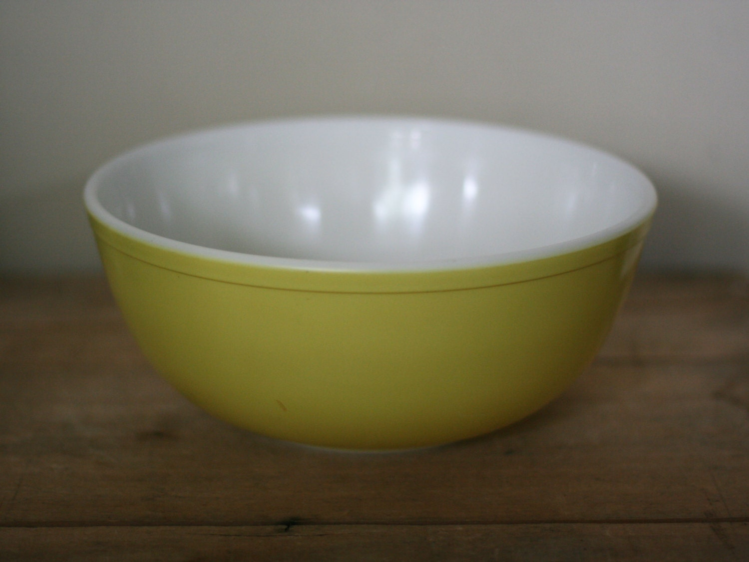 Vintage Yellow Pyrex 4 Quart Mixing Bowl Very Good Condition