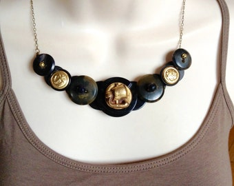 Daydream Sailing button necklace