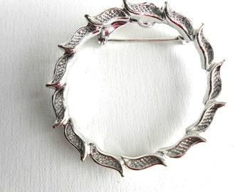 Vintage 1950s  Silver Gerry Wreath Brooch