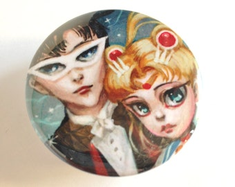 Pretty Pocket Mirror - Sailor Moon and Tuxedo Mask pocket mirror - by Mab Graves