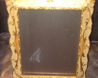 A Touch Of Chic For Your Photographs  Vinatge Italian Florentine Frame Gold
