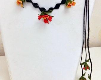 Orange Necklace,Red and Orange Wild Roses crochet Necklace,Ornge Crochet Necklace,Red crochet flower lariat,orange flower necklace,