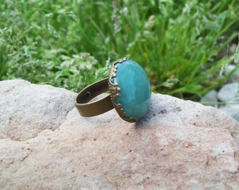 Sale - Green Aventurine Gemstone Ring with crown setting, Adjustable band, Gypsy Ring, Rustic Jewelry