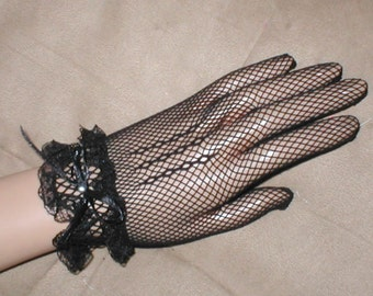 Vintage wrist length BLACK Fishnet Gloves