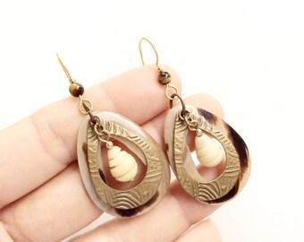 Seashell dangles earrings drop earrings chandelier earrings genuine carved shells