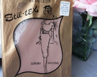 Vintage Stil tex Stockings /  BURLESQUE Stockings / New in Package / size 10 Cinnamon
