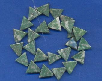 Strand of 16mm Triangle Beads: Jadiete