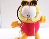 Vintage 1970's Garfield Plush- Valentine Gift  for Her or Kids - Cute Red Ladybug and Hearts Costume - Excellent Condition