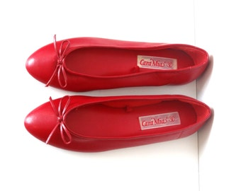 1980s Vegan Red Ballet Flats with Bow Size 8