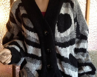 Large Women's Black and Gray 80s Cardigan