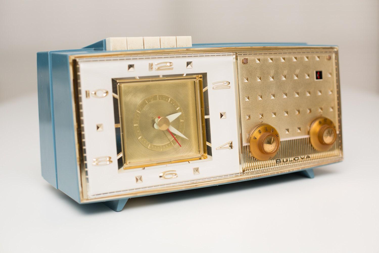 Vintage 1960s Bulova Clock Radio Model 190 Series Retro