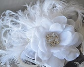 READY TO SHIP, White Hair Flower, White Feather Fascinator, White Feather Fascinator, Vintage White Flower Fascinator, Bridal hair flower